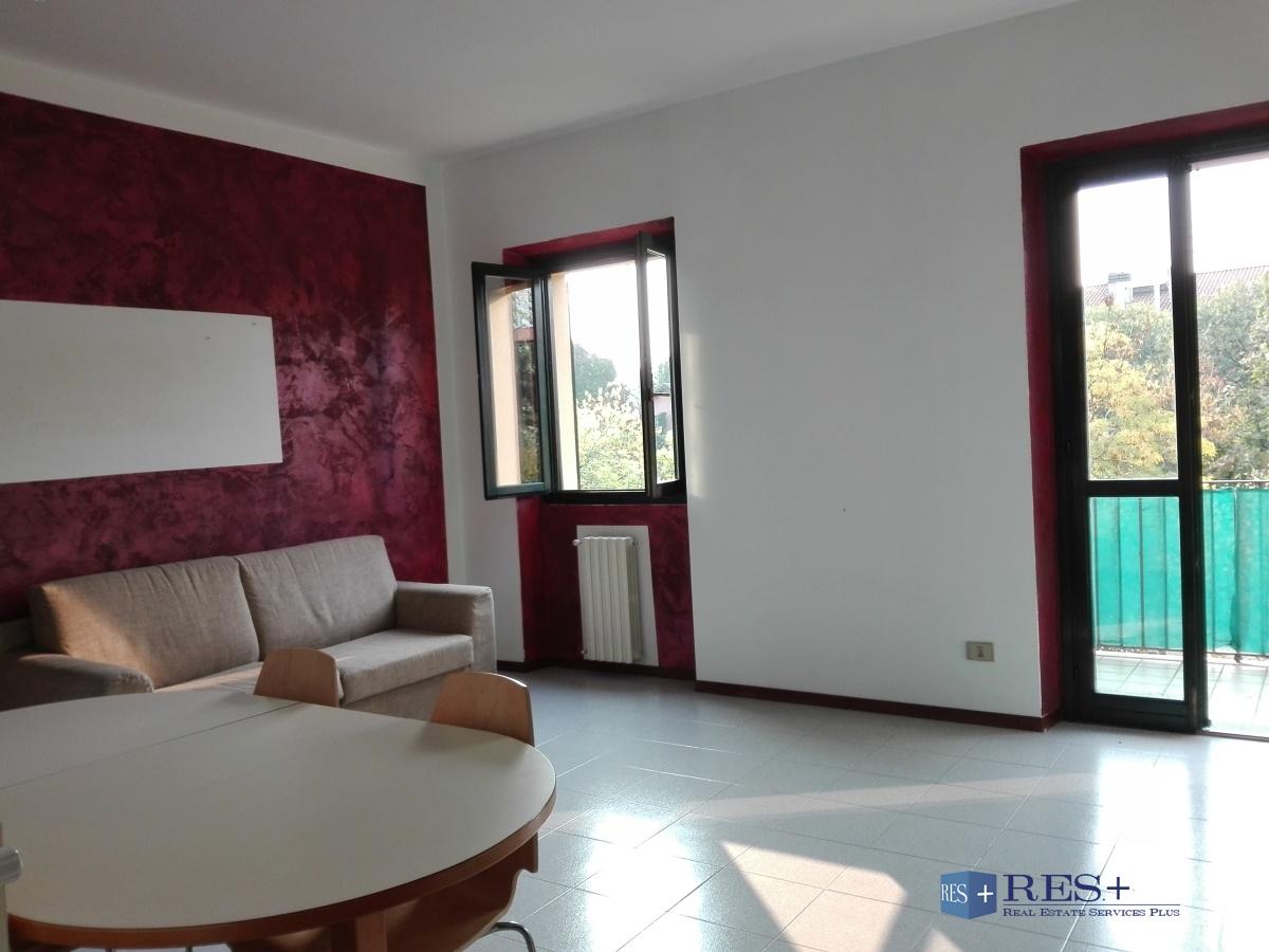 Appartamento bilocale in affitto garbagnate milanese 50 mq for Appartamento 50 mq
