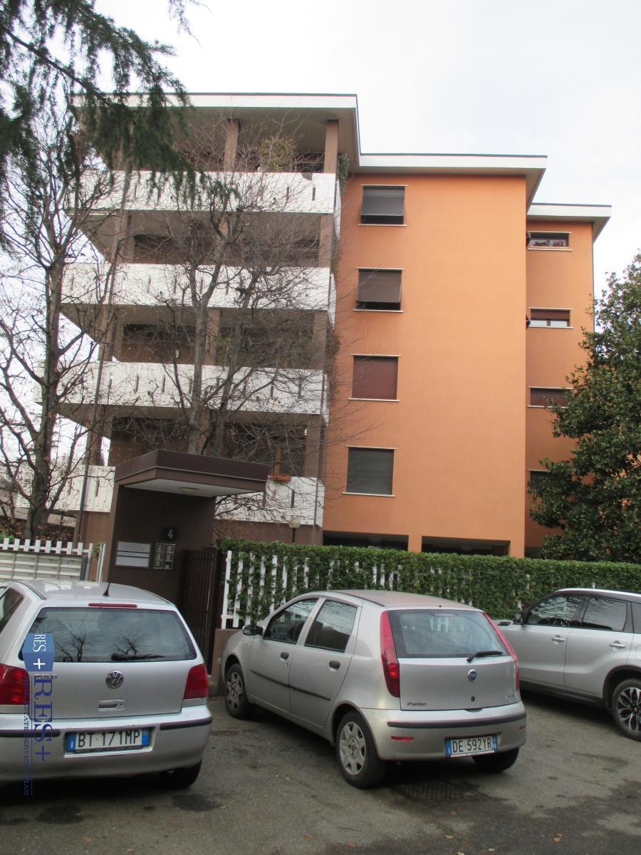 Vendita Uffici Laboratori E Negozi Arese Ufficio Di 30 Mq Via Dei Tigli Localita Centro